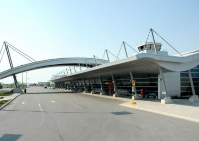 01-073_Airport_1